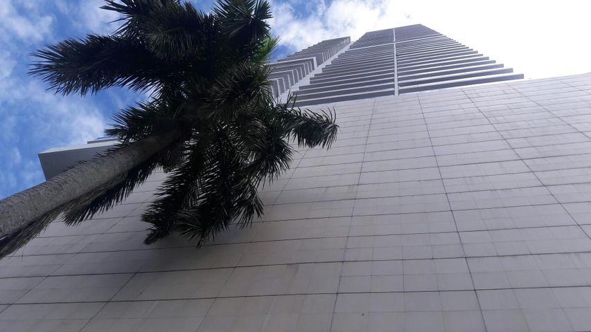 Apartamento / Alquiler / Panama / Avenida Balboa / FLEXMLS-18-1825