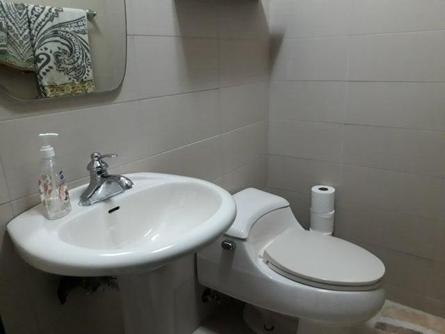 PANAMA VIP10, S.A. Apartamento en Venta en Dos Mares en Panama Código: 18-1992 No.9