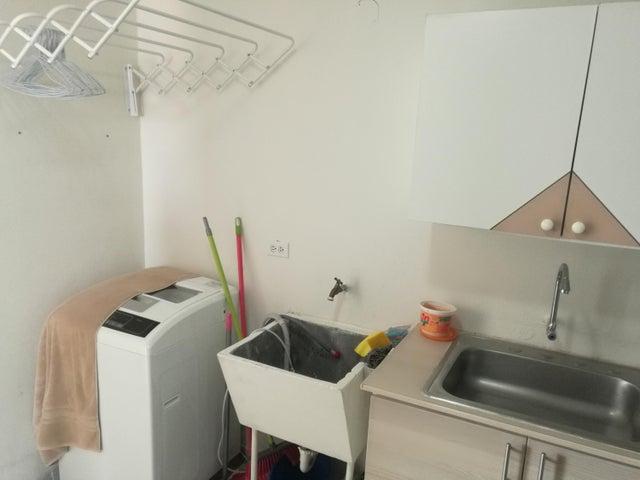 Apartamento En Venta En Rio Abajo Código FLEX: 18-2137 No.5