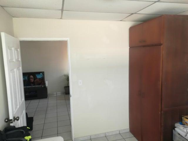 Apartamento En Venta En Rio Abajo - Código: 18-2137