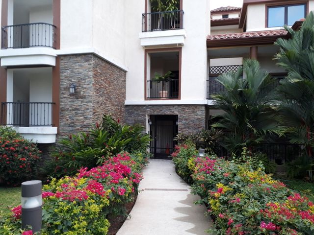 Apartamento / Venta / Panama / Clayton / FLEXMLS-18-2139