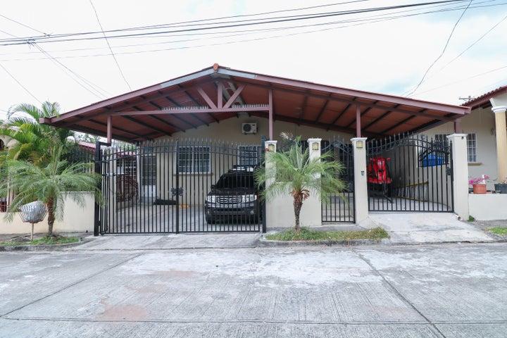 Casa / Venta / San Miguelito / Brisas Del Golf / FLEXMLS-18-2385