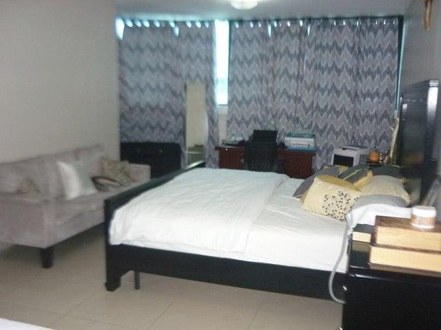 PANAMA VIP10, S.A. Apartamento en Venta en San Francisco en Panama Código: 18-2440 No.4