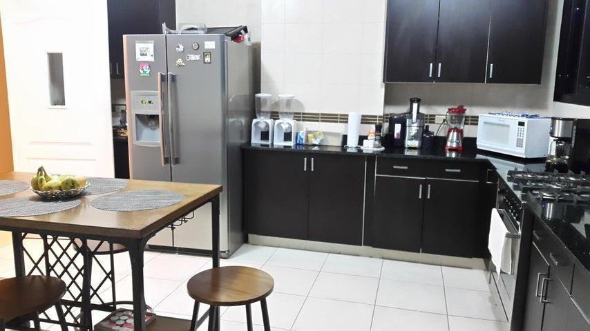 PANAMA VIP10, S.A. Apartamento en Venta en San Francisco en Panama Código: 18-2440 No.2