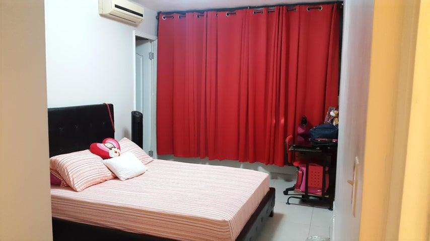 PANAMA VIP10, S.A. Apartamento en Venta en San Francisco en Panama Código: 18-2440 No.6