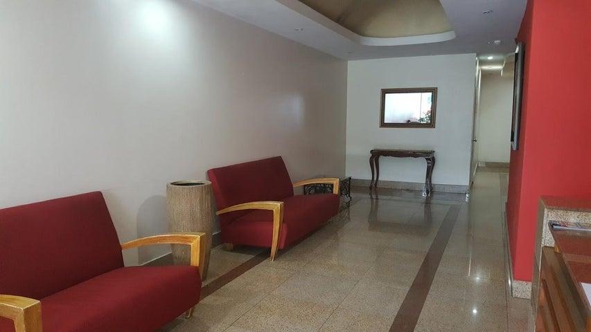 PANAMA VIP10, S.A. Apartamento en Alquiler en El Cangrejo en Panama Código: 18-2447 No.1