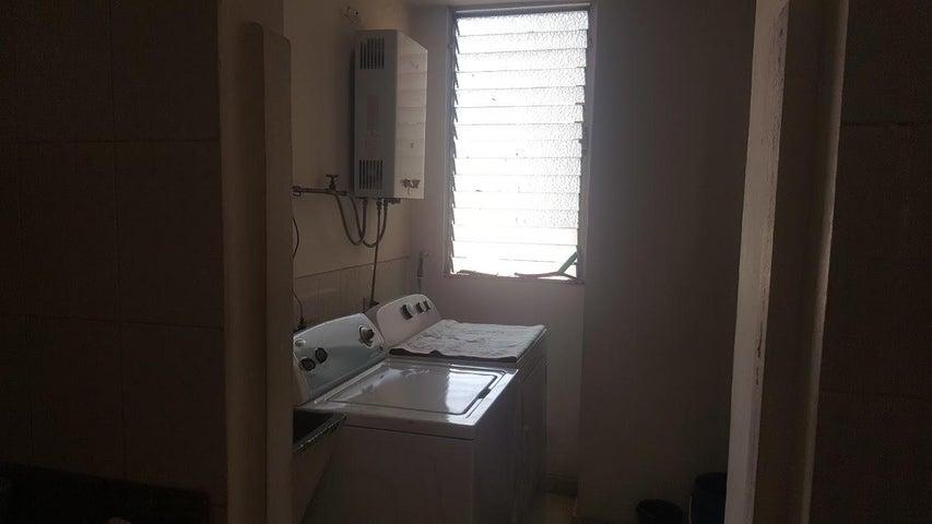 PANAMA VIP10, S.A. Apartamento en Alquiler en El Cangrejo en Panama Código: 18-2447 No.7