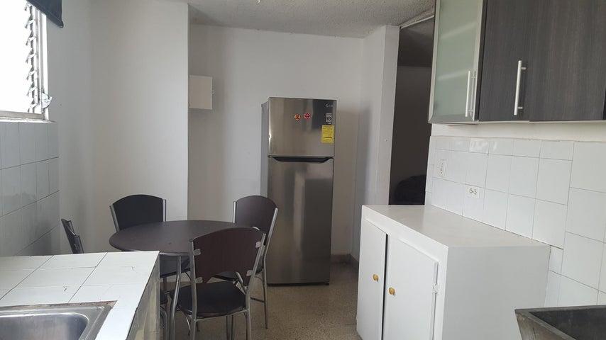 PANAMA VIP10, S.A. Apartamento en Alquiler en Via Espana en Panama Código: 18-2483 No.3