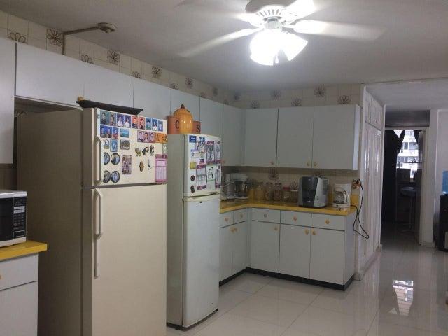 PANAMA VIP10, S.A. Apartamento en Venta en Paitilla en Panama Código: 18-2495 No.8