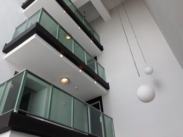PANAMA VIP10, S.A. Apartamento en Venta en Costa del Este en Panama Código: 18-2554 No.3