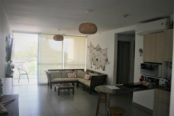 PANAMA VIP10, S.A. Apartamento en Venta en Coronado en Chame Código: 18-2981 No.1