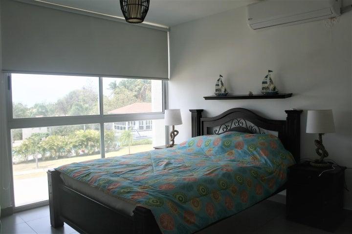 PANAMA VIP10, S.A. Apartamento en Venta en Coronado en Chame Código: 18-2981 No.7