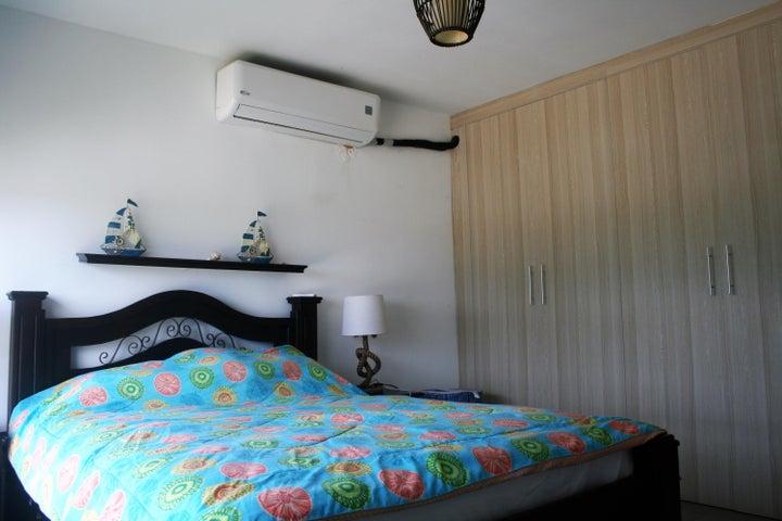 PANAMA VIP10, S.A. Apartamento en Venta en Coronado en Chame Código: 18-2981 No.8