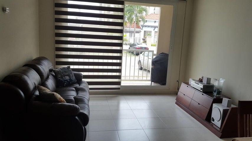 PANAMA VIP10, S.A. Apartamento en Alquiler en Versalles en Panama Código: 18-3035 No.3