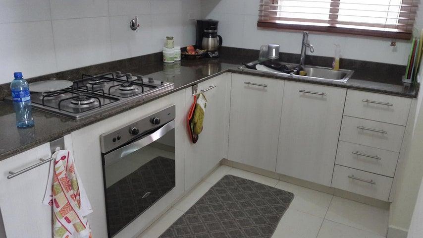 PANAMA VIP10, S.A. Apartamento en Alquiler en Versalles en Panama Código: 18-3035 No.6