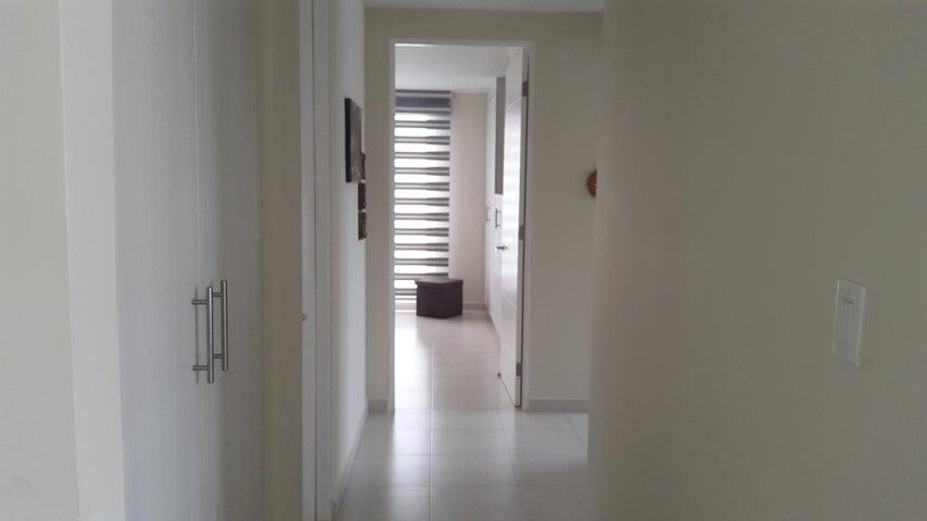 PANAMA VIP10, S.A. Apartamento en Alquiler en Versalles en Panama Código: 18-3035 No.9