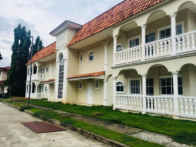 Apartamento / Venta / Panama / Albrook / FLEXMLS-18-3180