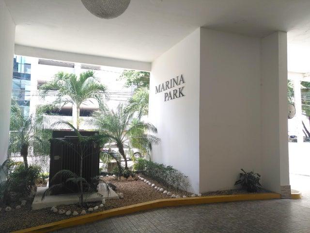 Apartamento / Venta / Panama / Avenida Balboa / FLEXMLS-18-3346