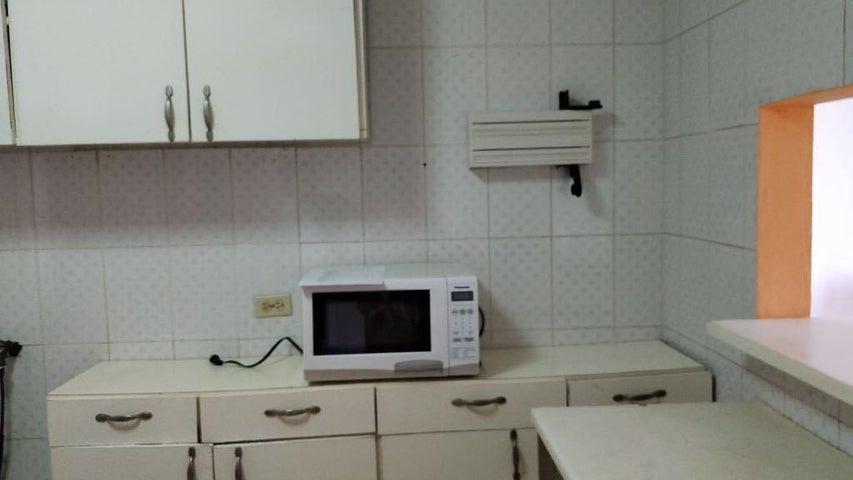 PANAMA VIP10, S.A. Apartamento en Alquiler en El Cangrejo en Panama Código: 18-2447 No.6