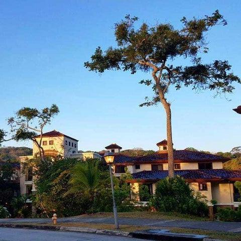 Apartamento / Venta / Panama / Clayton / FLEXMLS-18-4406