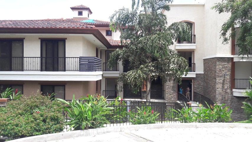 Apartamento / Venta / Panama / Clayton / FLEXMLS-18-4796