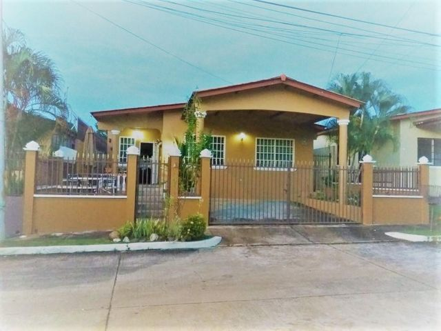Casa / Venta / San Miguelito / Brisas Del Golf / FLEXMLS-18-4821
