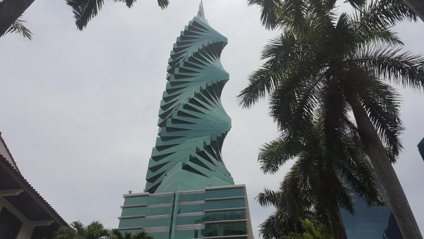 PANAMA VIP10, S.A. Oficina en Venta en Obarrio en Panama Código: 17-2010 No.0