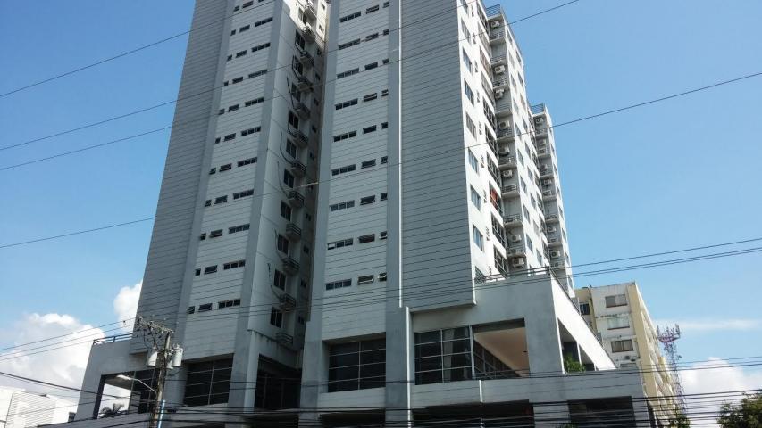 Apartamento en Alquiler en Parque Lefevre