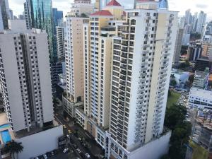 Apartamento / Venta / Panama / Obarrio / FLEXMLS-18-6239