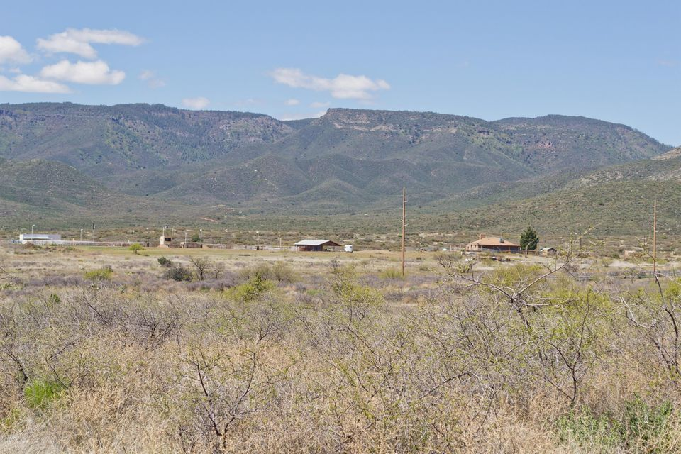 MLS 986287 11333 Mare Meadows Building 11333, Mayer, AZ Ranch