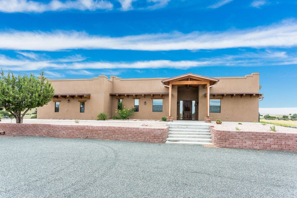 MLS 990069 8850 Lower Pass Road Building 8850, Prescott, AZ Prescott AZ Crossroads Ranch