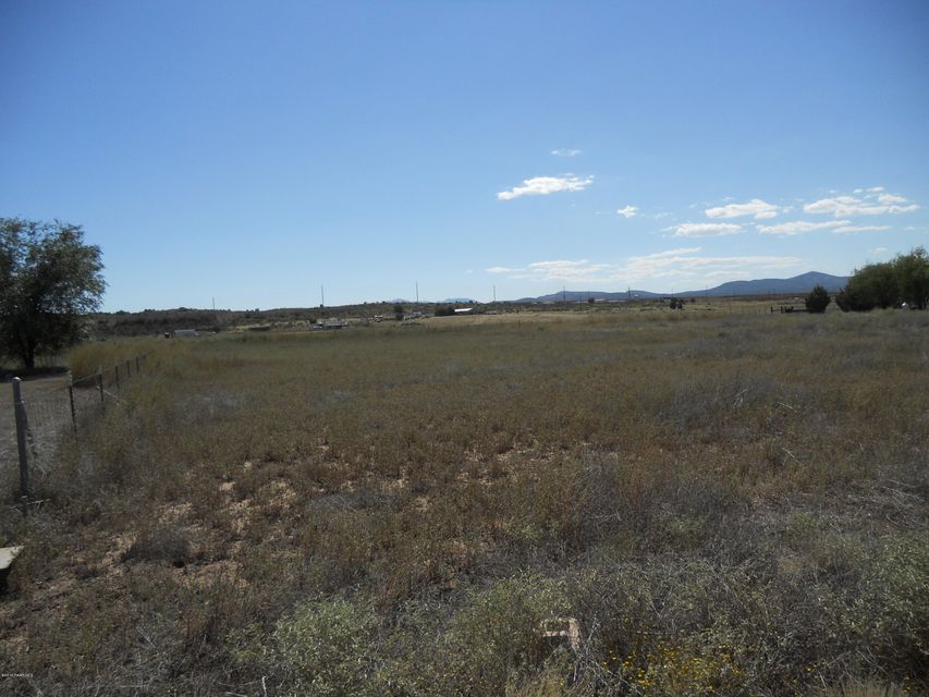 325 E Houston Road Paulden, AZ 86334 - MLS #: 990287
