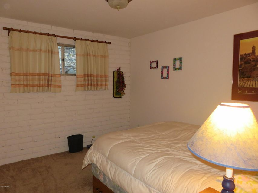 8070 Breezy Pine Road Building 8070 Photo 6