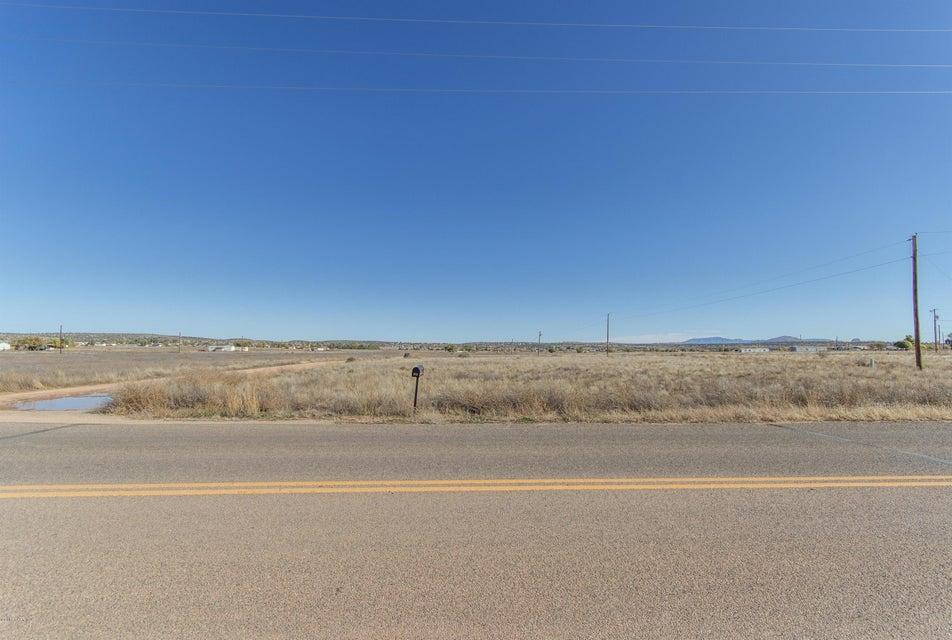 499/ 500 Grand Canyon & Hawaii,Paulden,Arizona,86334,Residential,Grand Canyon & Hawaii,991225