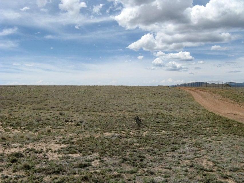 2.01 Acres N Covered Wagon Trail Prescott Valley, AZ 86314 - MLS #: 995174