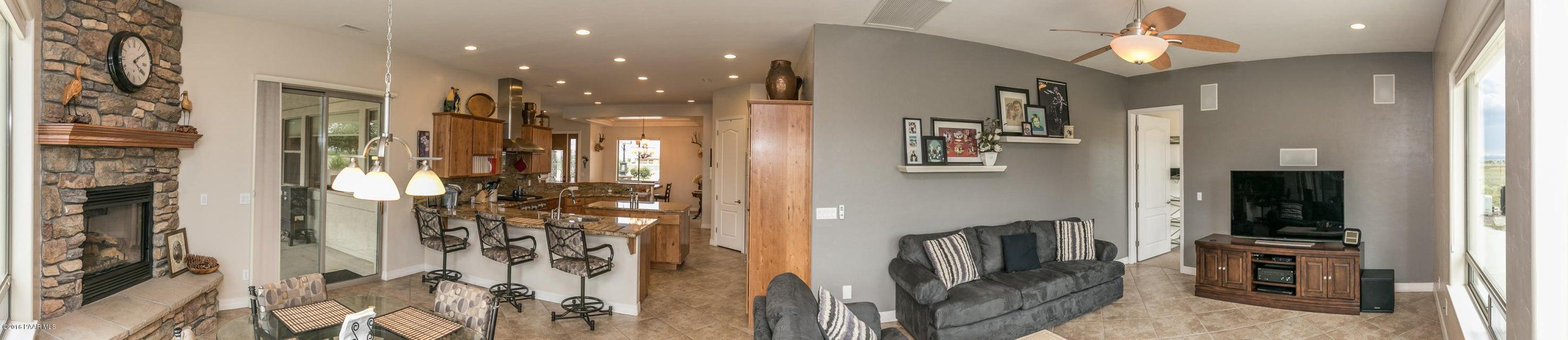 8940 Spurr Lane Building 8940 Photo 8