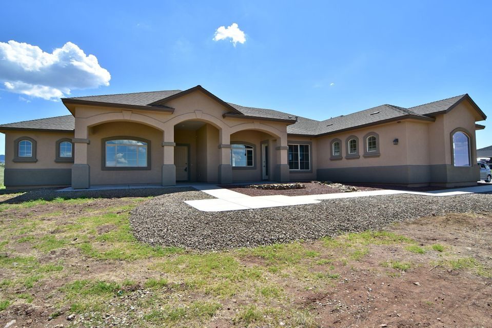 MLS 997662 11155 Trophy Ridge Lane Building 11155, Prescott Valley, AZ Equestrian Newly Built