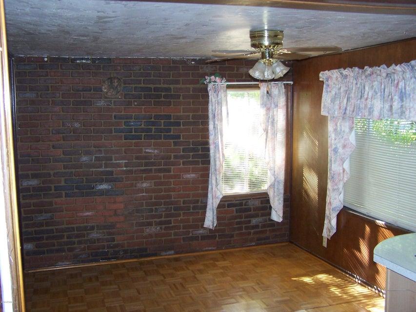 723 Lincoln Avenue Building 723 Photo 4
