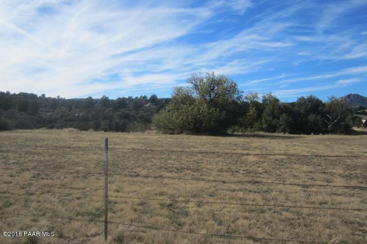 17954 S Pinon Lane, Peeples Valley, AZ 86332