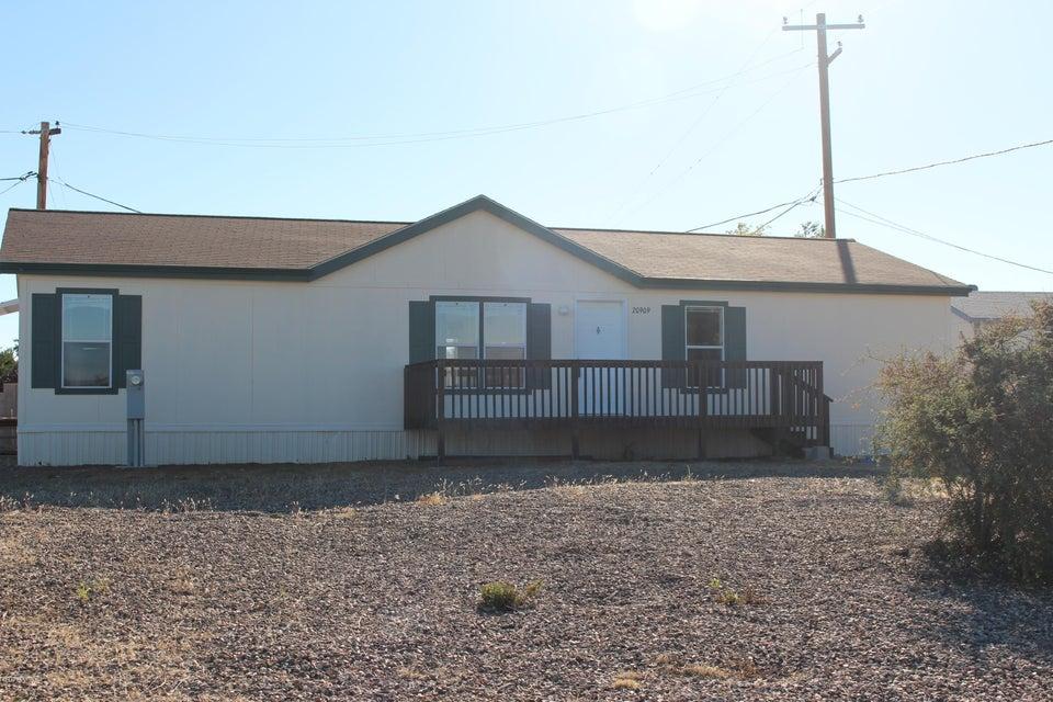 MLS 998924 20909 Skyview Lane Building 20909, Mayer, AZ Mayer AZ Manufactured Mobile Home