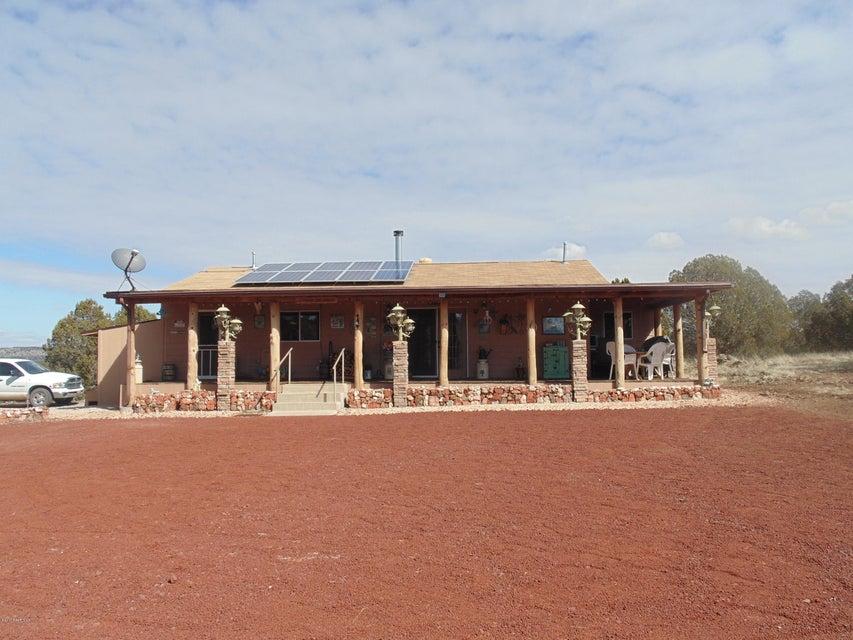 44300 Trout Creek Trail, Seligman, AZ 86337