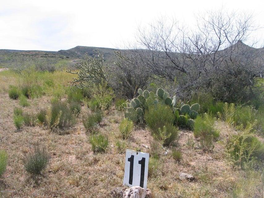 8888 S Fipsila Circle, Kirkland, AZ 86332