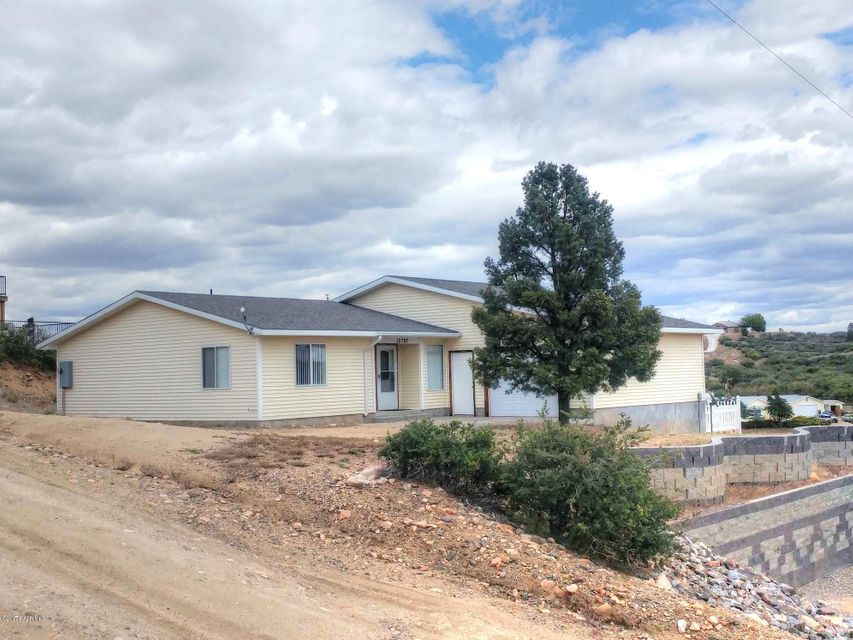 18297 S Spoon Road, Peeples Valley, AZ 86332