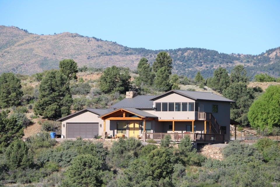 17762 S Tawny Lane, Peeples Valley, AZ 86332