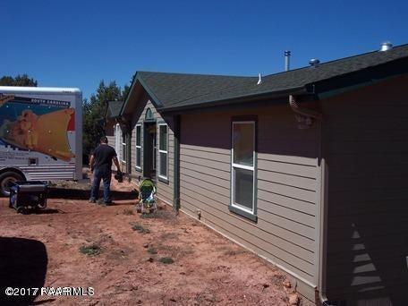 35508 W Pale Moon Road, Seligman, AZ 86337