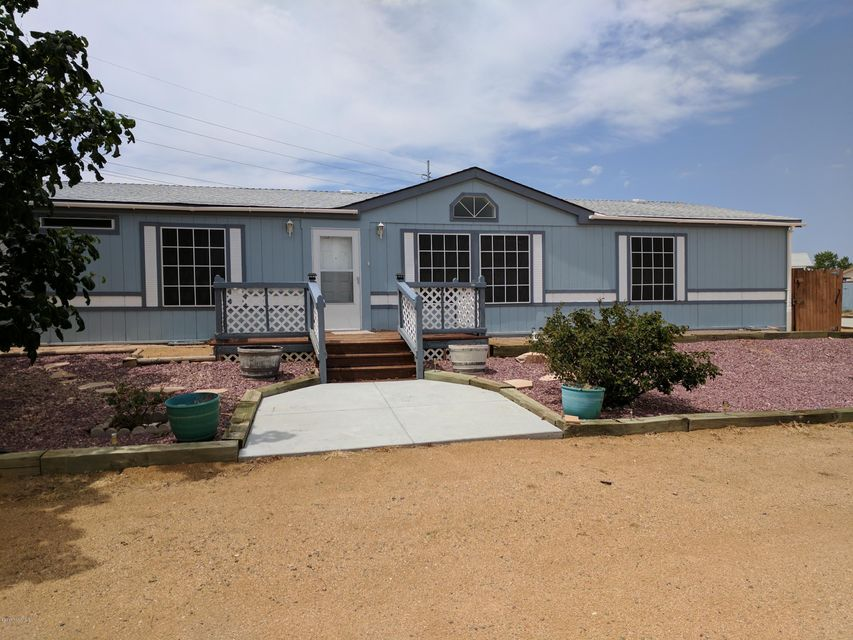 1040 Outer Loop Road, Chino Valley, AZ 86323