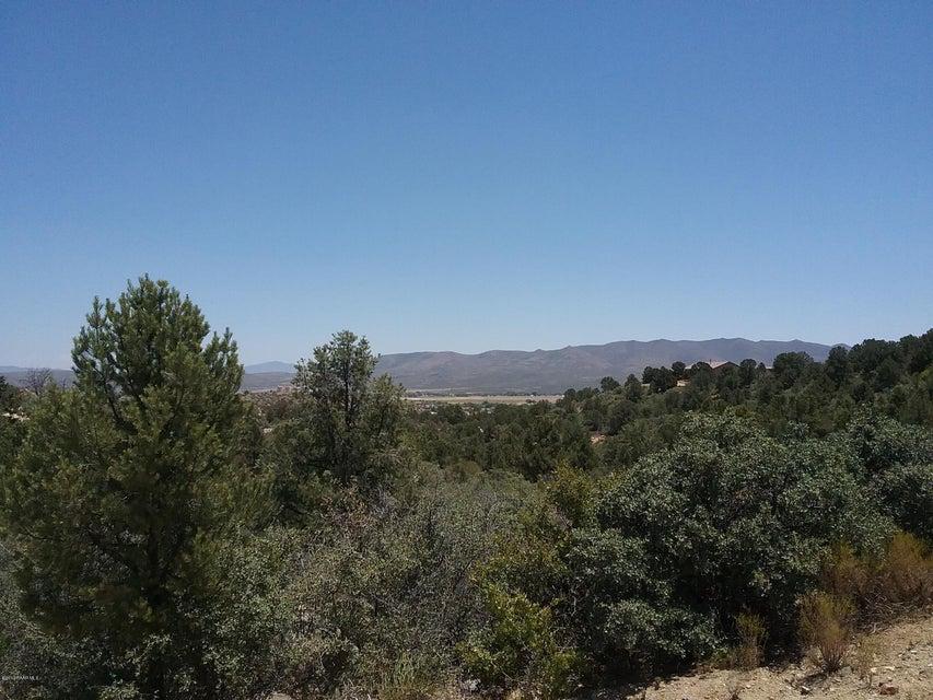17690 W Buckhorn Drive, Peeples Valley, AZ 86332