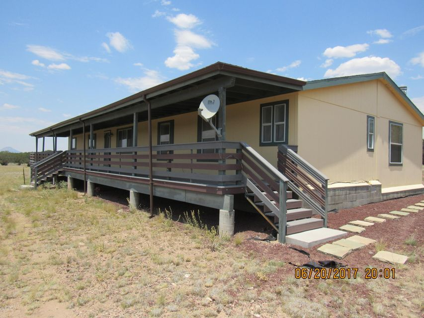210 W Trickling Creek Trail, Ash Fork, AZ 86320