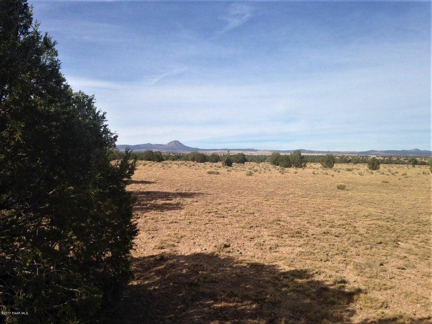 17 Wagon Tree Road Ash Fork, AZ 86320 - MLS #: 1002643