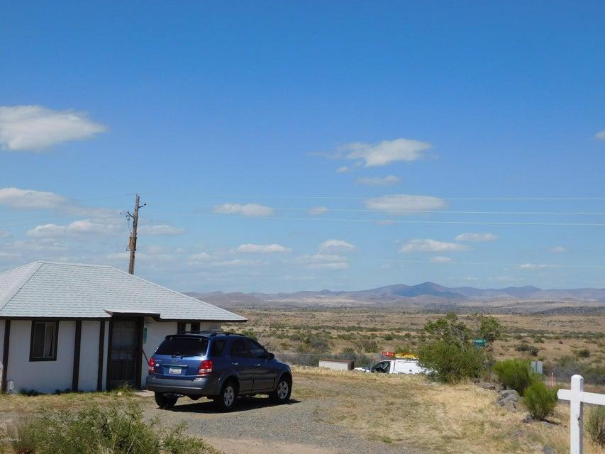 19674 E Moon Mountain Mayer, AZ 86333 - MLS #: 1008379